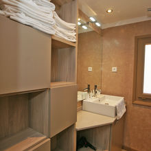 Bathroom of our Tiki Hutte - Seaview - Premium 2 bedrooms